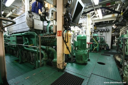 0523-2008.05-DR-Engine-Room.33
