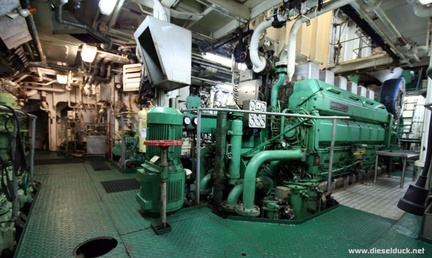 0524-2008.05-DR-Engine-Room.35