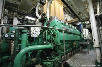 0525-2008.05-DR-Engine-Room.37